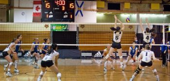 Women's volleyball brushes aside Axewomen
