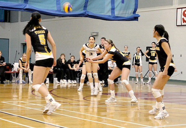 Women's volleyball playing SMU. Photo by Shauna Brown.