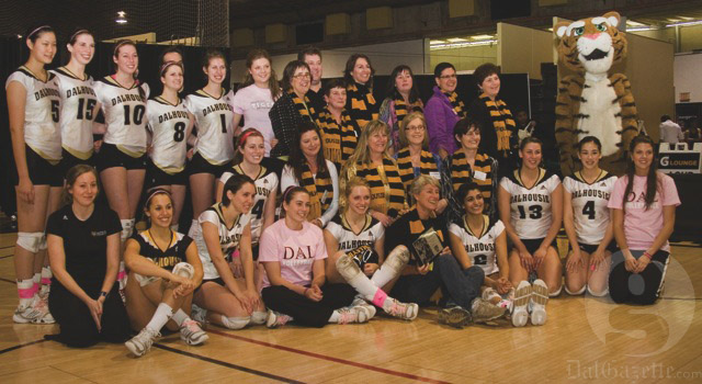 2012 Tigers put on a show for 1982 alumni
