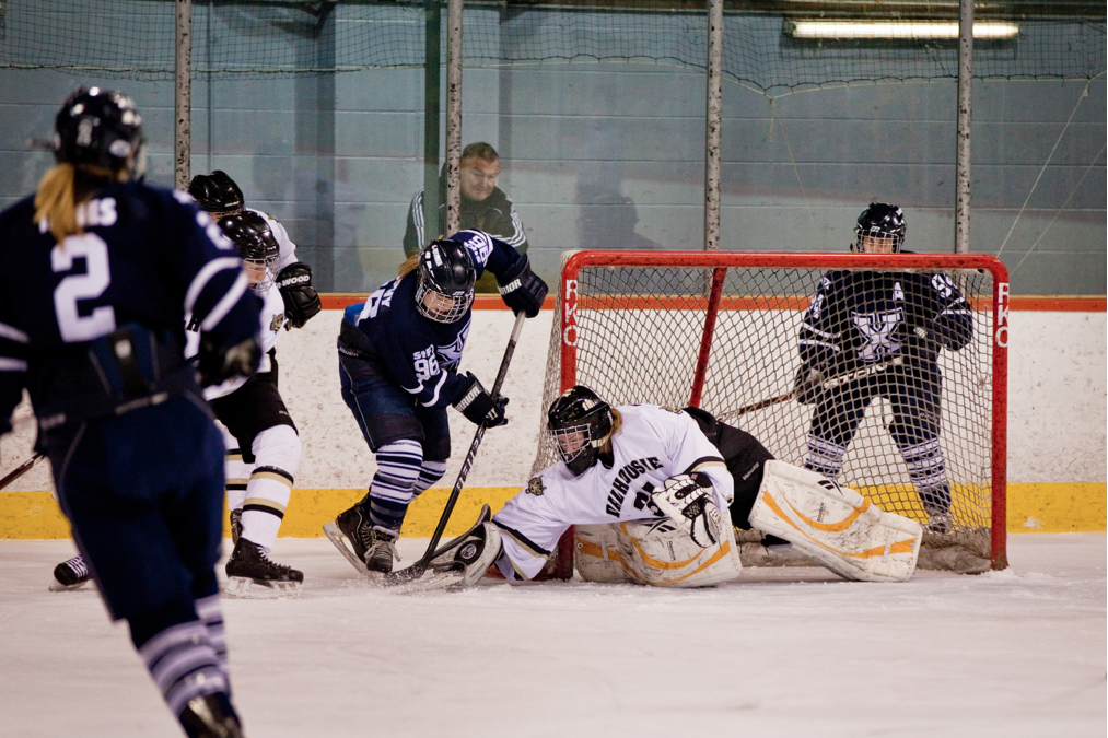 Zoe Zivolak denied 32 shots in Dal's losing effort. Photo by Paul Balite.
