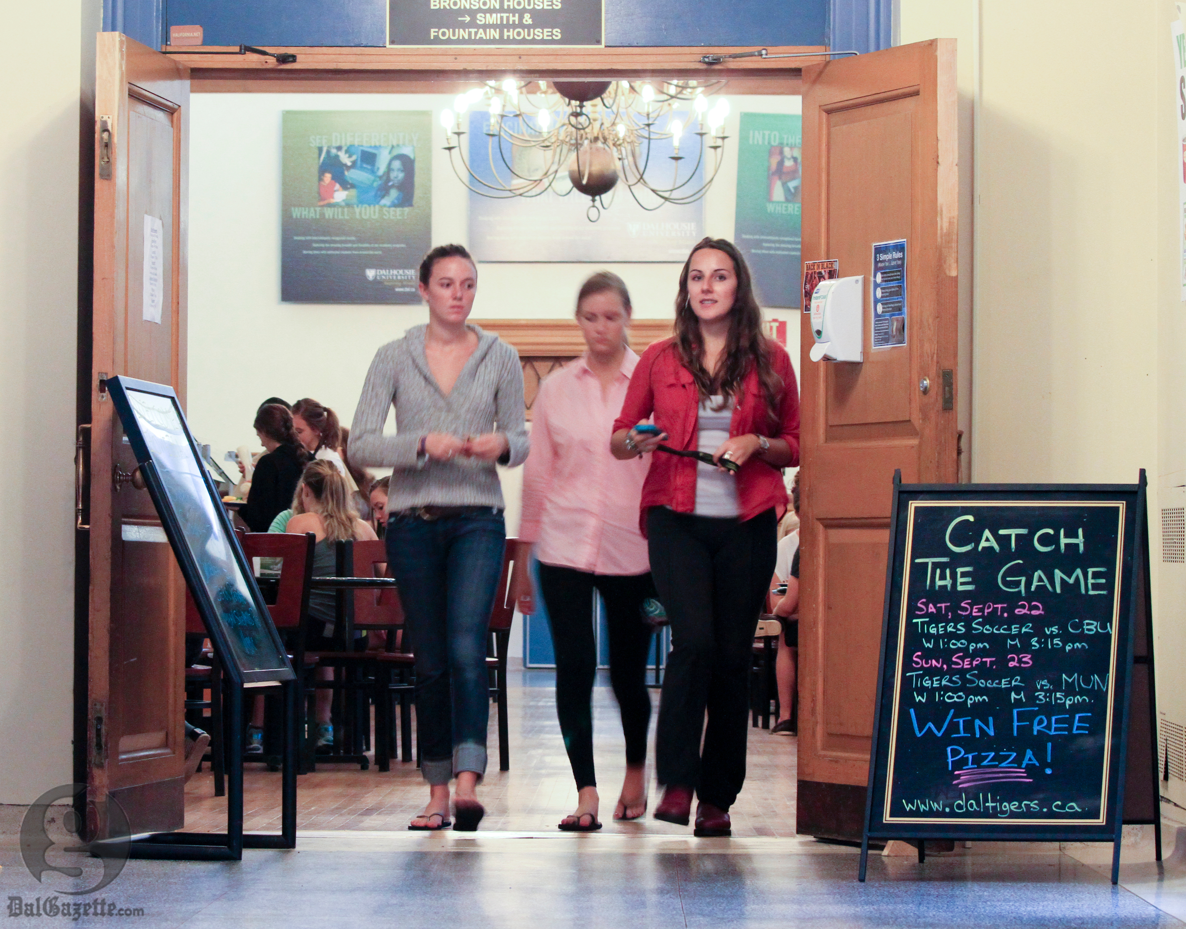 Inflexible dining hours are a setback for some student schedules. (Photo: Bryn Karcha)