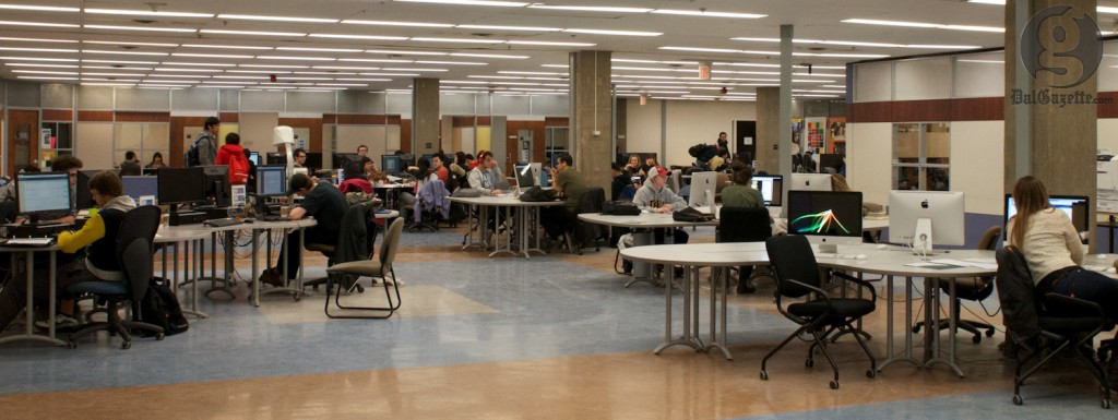 Campus libraries provide access to class evaluations online. (Juliano Franz photo)