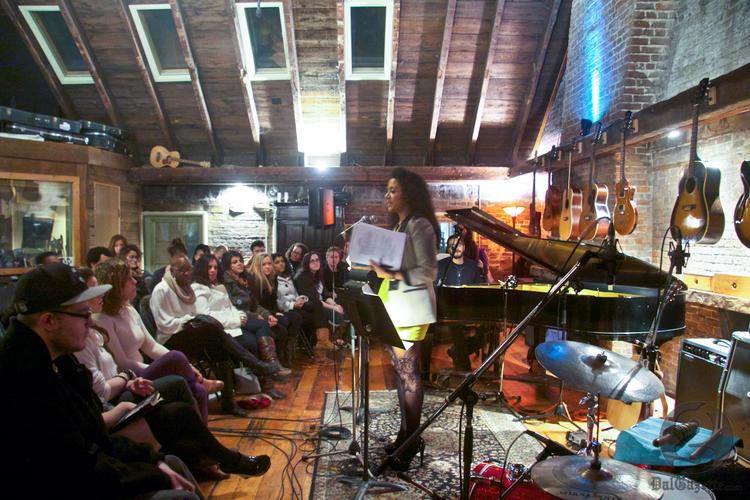 A poet keeps the audience rapt on a Saturday night (Adele van Wyk photo)
