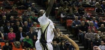 Mid-season turnaround falls short for men's basketball