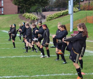 Women's soccer had plenty to smile about this weekend (photo by Samuel Perrier Daigle)
