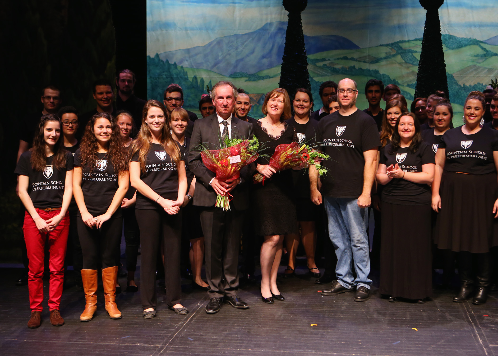 Fred Fountain and his wife Elizabeth celebrating with Dal theatre and music students (Press photo)