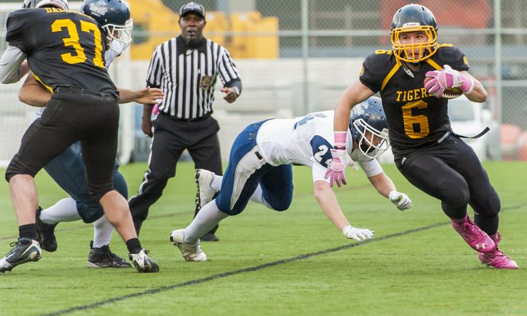 Dal football secures homecoming victory