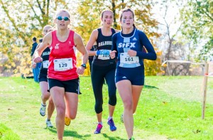 Ellen Chappell (middle) in pursuit of a title win (Photo Chris Parent)