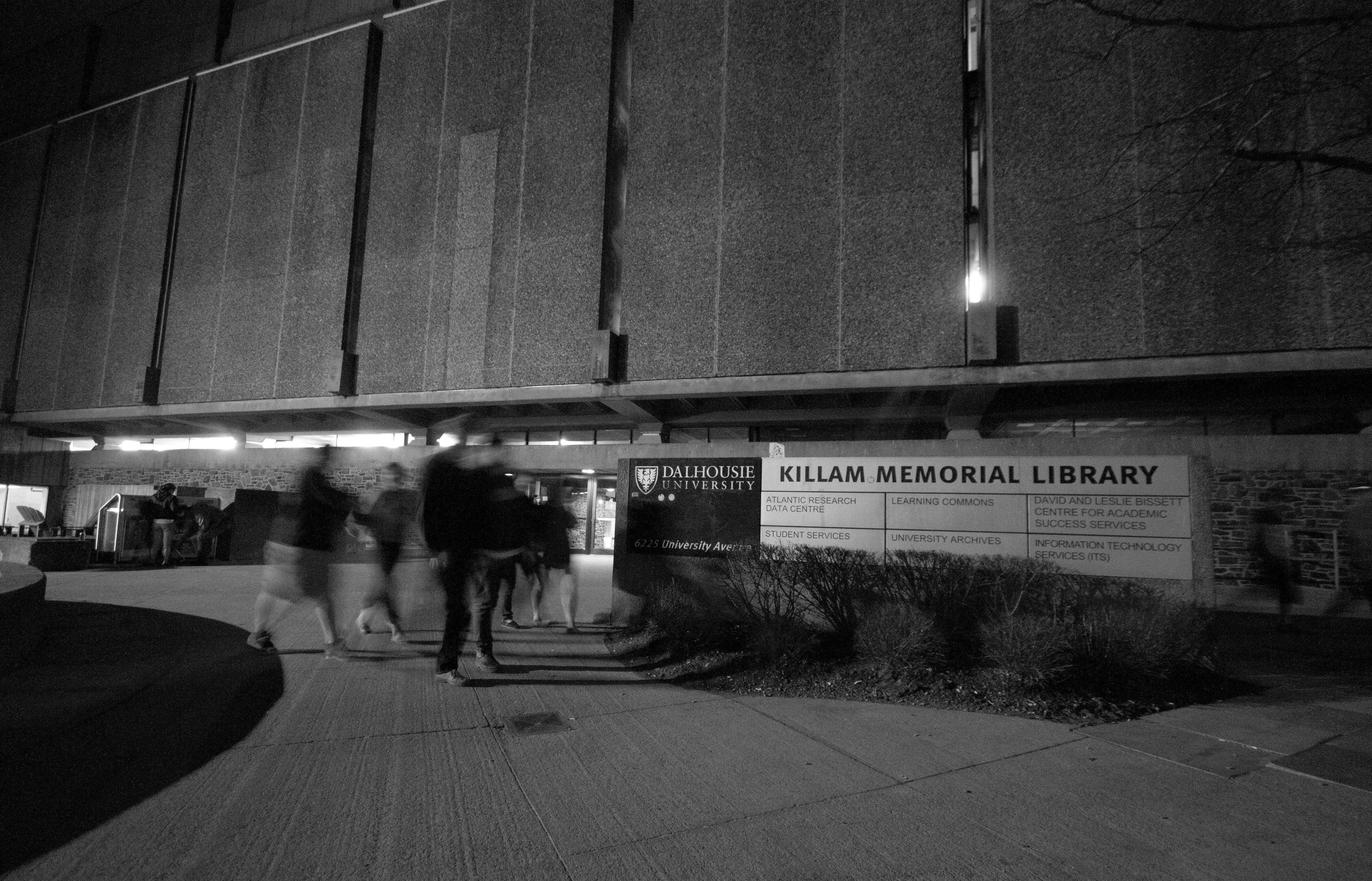 Canadian libraries may be quickly becoming a thing of the past (Photo by Chris Parent)