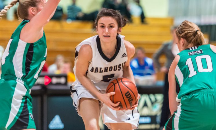 Women's basketball split series vs. UPEI