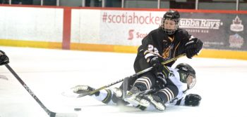 OPINION: Women's hockey pick up where they left off