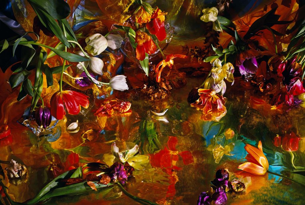 In this image: a still life photo of flowers by Margriet Smulders.